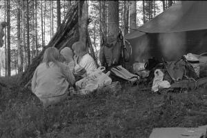 Lastenleiri Iso-Talaksen rannalla.