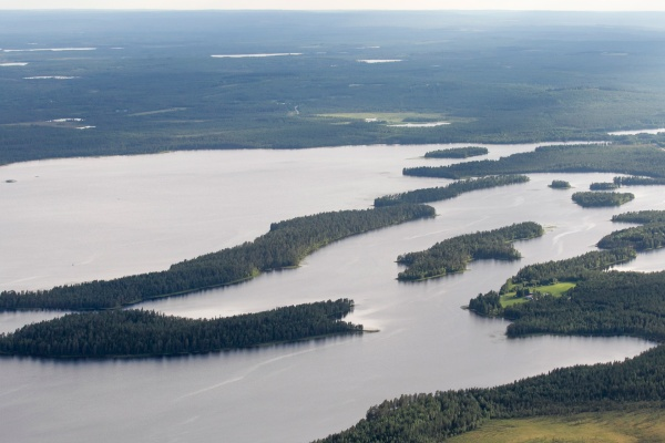 Näihin Pesiöjärven saariin Metsähallitus suunnittelee hakkuita. Kuva: Hannu Huttu