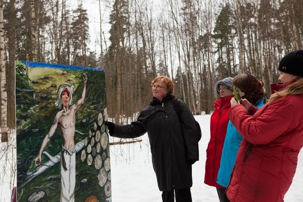 Kalevalan päivän kunniaksi itsensä pystyi kuvauttamaan avohakkuuta surevana Kullervona.